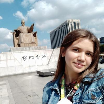 Соня Коренькова