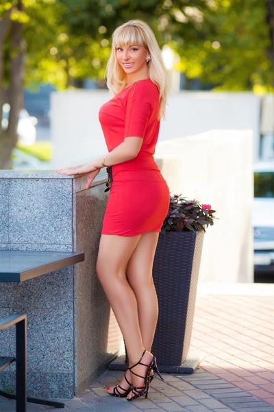 Dominika Kuxilova
