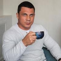МаксимСухоруков