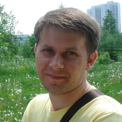 Майк Вазовский, Москва