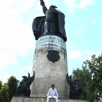ИльяТаратин