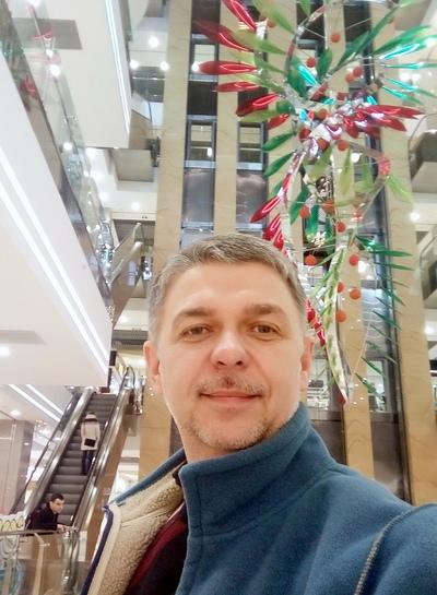 Игорь Лановой